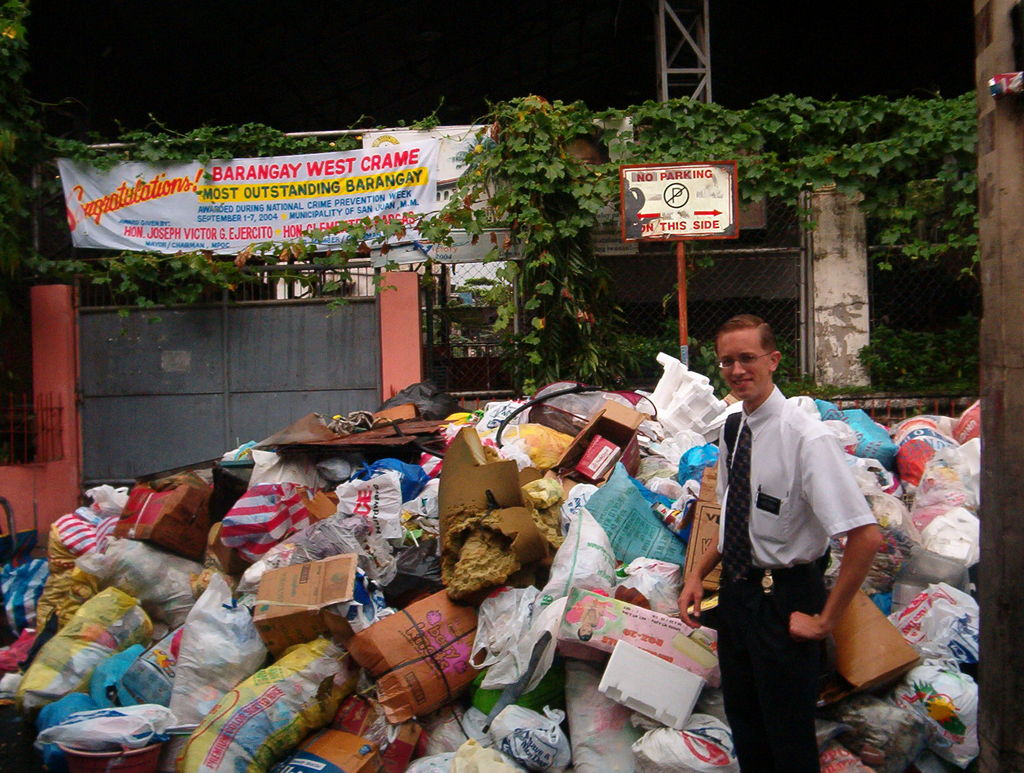 We saw this huge trash pile in Brgy Crame. Note the irony of the sign above the trash pile.