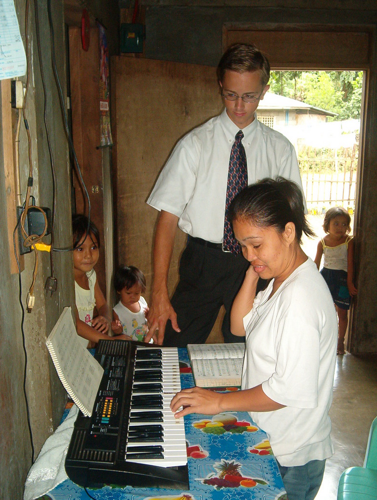 Teaching Piano lessons to Sis Pulido
